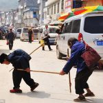 中国で全盲の夫を30年間支えてきた妻がいることに対する海外の反応
