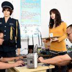 中国の企業がロボットウェイトレスを開発!海外の反応「驚くべき技術だ」