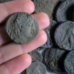 2000年以上前の銀貨を発見!