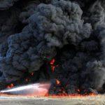 中国で化学工場が火災 辺り一面真っ黒に