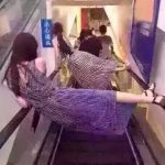 中国人のエスカレータの乗り方がヤバすぎると話題に!!!