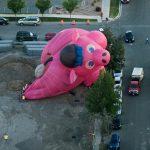 アメリカ独立記念日に気球が墜落するという大事件が!!!海外の反応「豚に空を飛べっていう方が無茶だよ」