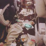 ニュージーランド行きの機内で何が?ワインがぶちまけられ、食事サービスのトレイや仮眠用毛布が床を覆い隠した!?