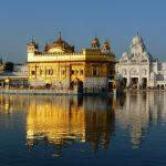 インドの黄金寺院が大気汚染によって景観を失いつつあります。