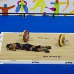 重量挙げの競技中に意識を失った選手に世界が震撼!!!海外の反応「危ない競技だよな」