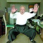 95歳がカンフーでスリをノックアウト